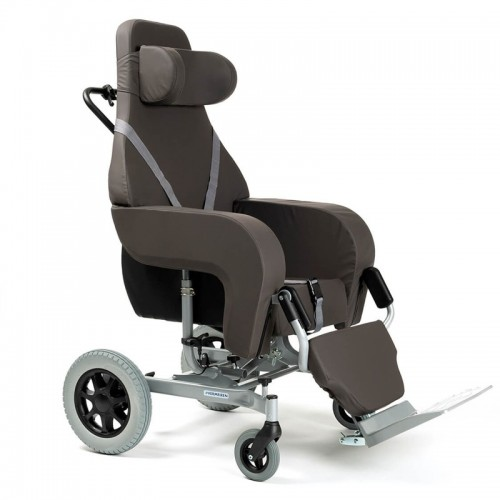 El sillón con ruedas basculante Coraille