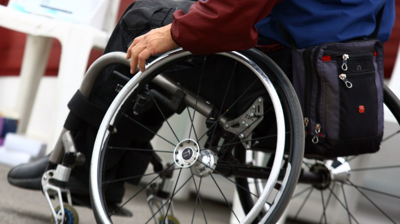 10 accesorios para tu silla de ruedas