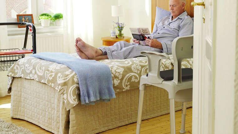 Beneficios de la utilización de sillas con inodoro para facilitar la higiene diaria