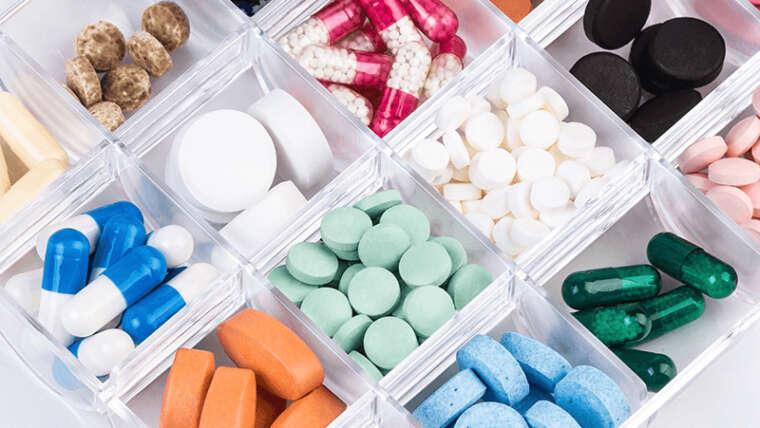 Tipos de pastilleros: consejos de compra y uso para organizar la toma de medicamentos