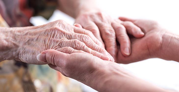 Cómo prevenir las úlceras en las manos en pacientes adultos